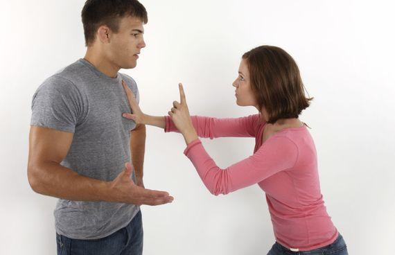 1 - Dizer que ela está exagerando Mulheres odeiam que homens falem isso, porque parece que estão desconsiderando seus sentimentos