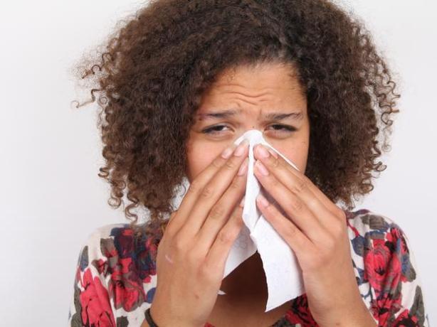 Fim do resfriado Esqueça as maçãs e antigripais. Segundo o pesquisador e conselheiro de saúde sexual Alison Richardson, o sexo regular está associado a níveis elevados do anticorpo imunoglobulina A, o que pode nos proteger de resfriados comuns e aumentar o sistema imunológico.